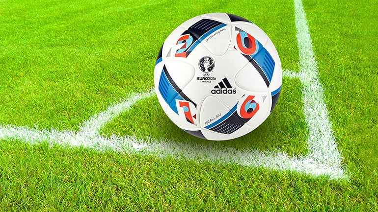 best footballs that you can buy online in india swag swami best footballs article featured image