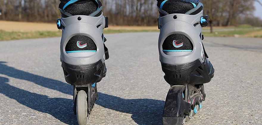 best roller skates in india featured image swag swami article