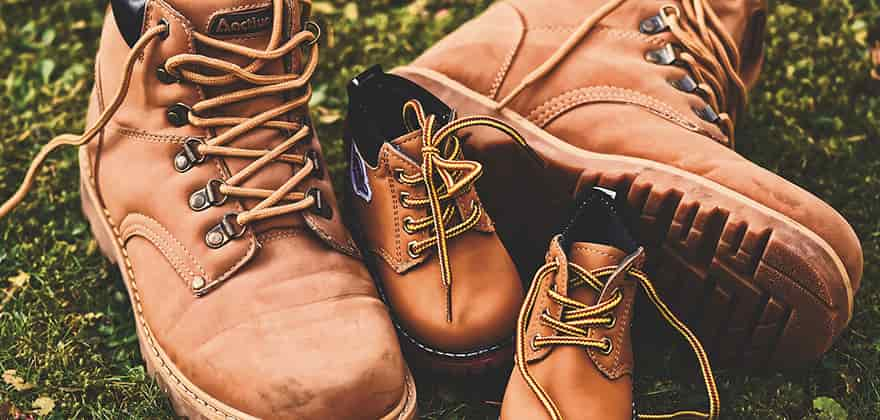hiking shoes in india featured image swag swami article