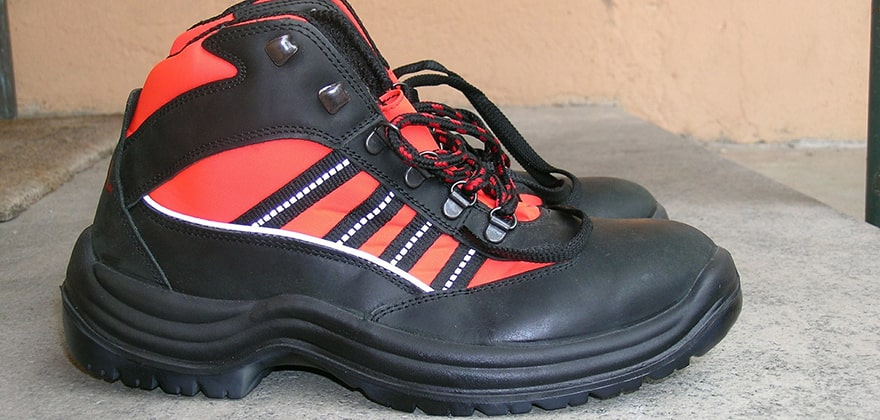 best safety shoes in india swag swami article featured image