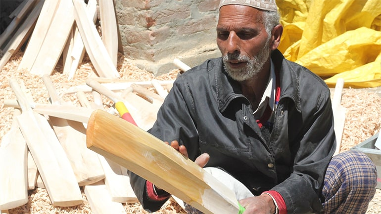 swag swami how to take care of your cricket bat article featured image